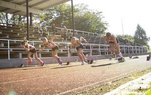 Trångsvikens Lisa Eriksson, tvåa från höger, vann i sin favoritgren 60 meter.