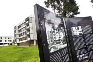 Tre informationsskyltar finns nu uppsatta i Sätra för den som vill lära sig mer om stadsdelens historia. Texten har skrivits av Elsa Röing, som vid tiden den skrevs jobbade på Länsmuseet i Gävle.