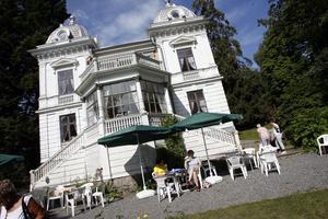 Nu är utredningen om sommarvillan Villa Sjötorp klar. Snart ska beslutet om huset ska bevaras eller rivas tas.