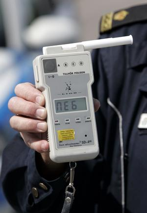 Bra ibland. Slumpvisa alkoholtester är bra på vägarna, men inte om de genomförs i stor skala på vanliga arbetsplatser. foto: scanpix
