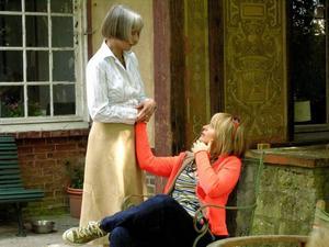 Edith Scob och Juliette Binoche spelar mot och dotter i franska