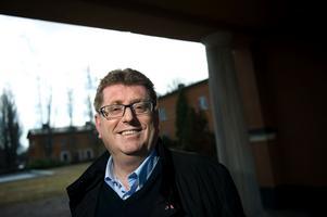 Jan Bohman (S) hävdar bland annat i sin replik till DT:s ledarskribent Lars Kriss att Borlänge satsar mest i landet på arbete.