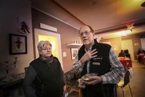 Värmestugan har många volontärer och praktikanter, men Barbro Lundkvist och Allan Öhvall är de två som är anställda.