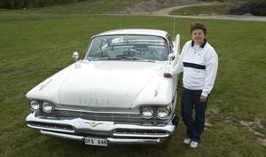 Margaretha Holm-Grönberg med sin Desoto Firedom Sportsman, 1959.