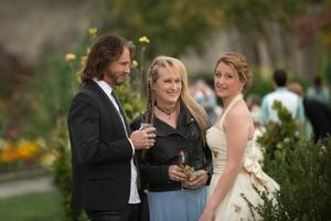 Sångaren och låtskrivaren Rick Springfield spelar Rickis gitarrist och pojkvän, och rollen som dottern Julie görs av Meryl Streeps egen dotter Mamie Gummer.