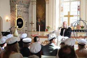 Rektor Pär Höglund höll tal.
