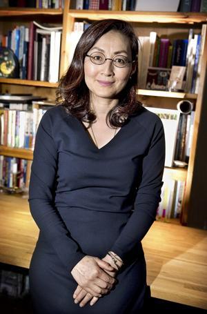 Fastnade. Sonoko Törngren Sato gick in i en butik med svensk hemslöjd i Tokyo och kom ut därifrån med en ny passion. Foto: Kenneth Hudd