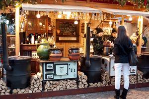 Det är Budapest man ska åka till för billigast julmarknad utomlands.