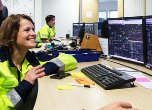 Jenny Gotthardsson i Boliden Garpenbergs kontrollrum.