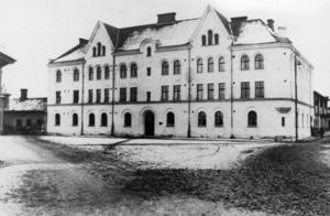 Kulturellt värde. Egnellska huset som det såg ut när det var nybyggt. Huset är ett viktigt inslag i Faluns stadsbild. Foto:Okänd