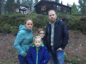 Från vänster: Mamma Leonie, sonen Nino, pappa Patrick och dottern Jolie är på semester i Orsa och kommer från Nederländerna.