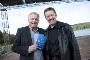 Dirigenten Tomas Hellström och Mats Höjer som är årets konferencier för Festival Salute ser fram emot en pampig och mäktig lördagskväll.