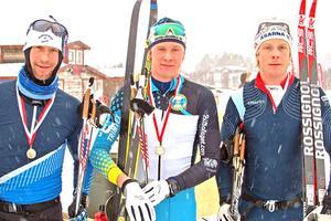 Nils Persson i mitten flankerad av tvåan Lars Nelson och trean Anders Södergren.