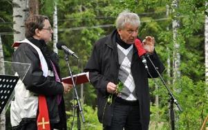 Biskop Söderberg och miljödebattören Stefan Edman vävde samman religion och natur.