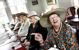 Brita Grön går även under täcknamnet Tant Grön och tyckte Hattparaden var en trevlig tillställning.