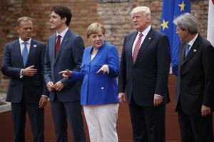 G7 ledare i Taormina; Rådets ordförande Donald Tusk, Kanadas Justin Trudea, Tysklands Angela Merkel, USA:s Donald Trump och Italiens Paolo Gentiloni.