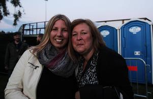 Maria Larsson och Annika Lundaahl hade det jättebra och var imponerade av åldersspridningen bland besökarna.