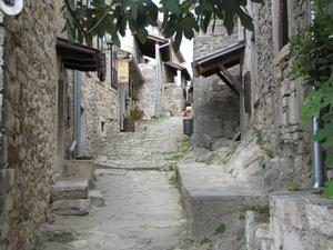 HUM, en nästan 1000 år gammal stad, som idag har 21 innevånare.