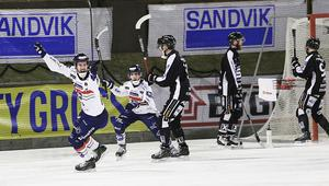 Sekunderna efter Mattias Hammarströms avgörande mål på Jernvallen.