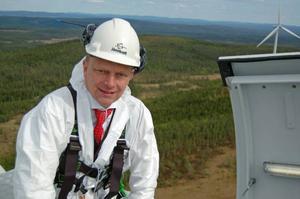 Tomas Kåberger vid invigningen av Jämtkrafts vindkraftspark på Kyrkberget utanför Mora.Foto: Jämtkraft AB