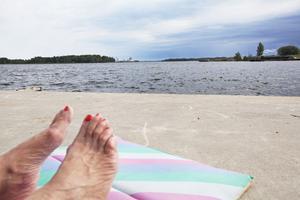 En badplats längst ut på Södra Hamnpiren? Det skulle vara väldigt trevligt, tycker Monika, som ofta njuter av solen just där.