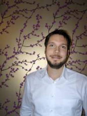 Marcus Wennick är mannen bakom webbsidan alltforvansterhanta.se som tillhandahåller allt en vänsterhänt kan tänkas vara i behov av.
