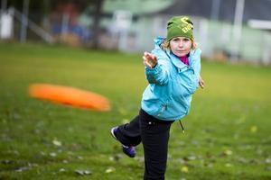 Stina Burvall har vigt en stor del av sitt liv till att kasta frisbee. En idrott långt på sidan av sporter som fotboll, hockey och i Hälsingland; bandy.