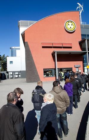 Många var på hugget när biljetterna släpptes i dag.