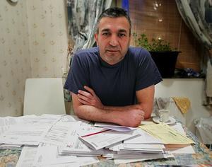 Efter drygt två år fick Hussein Mahmoud veta att Skatteverket vill ha tillbaka drygt 90 000 kronor som han fick 2008, på grund av ett fel som Skatteverket gjort.