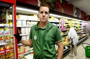 Coops butikschef Christian Eriksson har i samarbete med Fränstaskolans ledning vidtagit åtgärder för att minska snatterierna.