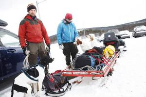 Fredrik Söderkvist och Lennart Paakki gör sig redo för en tur till Vålåstugorna.