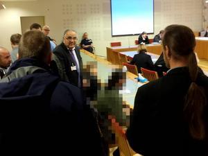 Albin Aspgren får på rättegångens tredje dag förklara med egna ord vad det var som hände under natten och morgonen, 20 september 2014.