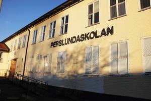 Färdigställandet av nya Perslundaskolan skjuts upp igen.