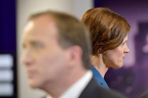 Både Stefan Löfven (S) och Anna Kinberg Batra (M) lär välkomna låglönedebatten.