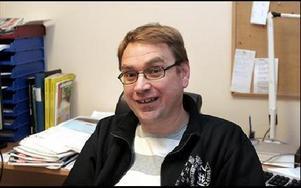 ... DD:s lokalredaktör i Hedemora, Mikael Eriksson, som i sin tur ersätts av...FOTO: KERSTIN ERIKSSON