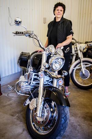 Susanne Peterson köpte sin Honda Valkyrie på E-bay från USA. Då var den krockad och i dåligt skick. Efter flera år med renoveringar är den i toppskick.