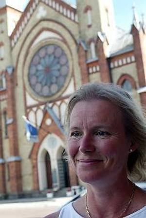 Arkivfoto: LASSE HALVARSSON Hjälper terrordrabbade. Marie Söderqvist, sjömanspräst   i Singapore, blixtinkallades till Bali för att försöka hjälpa  svenska offer att hitta sina anhöriga.