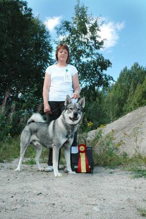 Ackers Jelp , blev bäst i klassen , här med matte Siv Andersson från Sundsvall