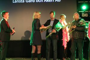 Anders Olsson från Lånsta gård och åkeri AB fick ta emot Växtkraftpriset.
