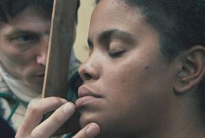 """Yahima Torres spelar huvudrollen som sydafrikanskan Sarah Baartman i det verklighetsbaserade dramat """"Black Venus"""".Foto: Folkets Bio"""