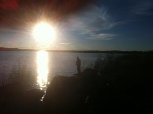 Jag och min man är nere vid sjön i Sundänge och fiskar där vi har våran stuga. Så rogivande och härligt.