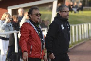 Roberto Soria och Ola Melin var aktiva från sidlinjen.
