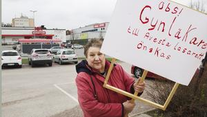 Den 1 maj protesterade Ingemo Granqvist för att en läkare ska anställas till gynmottagningen så att den kan finnas kvar.