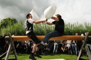 Femkampen uppskattades av såväl stora som små. Tävlingarna var jämna mellan Bollnäslaget och Los Raggos.