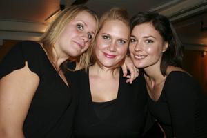 Pluto. Maria, Sophie och Åsa.