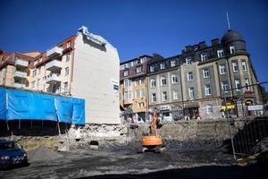 I stället för bostäder och affärer bör det byggas ett kulturhus mitt i stan, anser Ulla Brita Sunding.