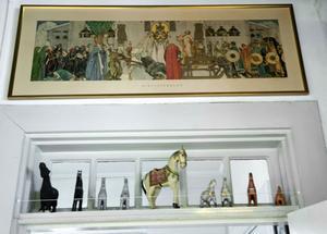 Midvinterblot och hästar från Indien och Dalarna. De gamla dalahästarna lekte Kajsas morbror med när han var liten på 1920-talet.