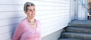 Wendela Dehlin brinner för att hjälpa andra. Hon är en av tre aktiva frivilliga i verksamheten väntjänsten. Tillsammans ser de till att äldre som behöver hjälp med bland annat transport kommer dit de ska.