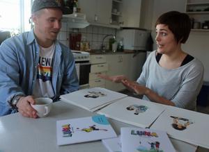 Barndomskompisarna Jonny Wåger och Anna Olofsson diskuterar skapandet av Luna när de träffas för första gången sedan arbetet påbörjades. – All vår kontakt har skett på nätet och telefon, berättar Jonny Wåger som numera bor i Karlstad.