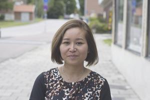 Lukkhana Backström, 41 år, butiksägare, Fagersta: – Vårrullar som förrätt och som huvudrätt en gryta med kyckling i grön curry, eller så gör jag chilibiff. Detta är typisk thailändsk vardagsmat.